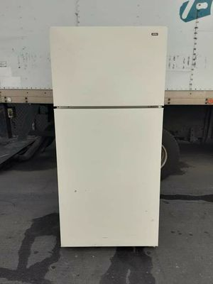 Hotpoint apartament size refrigerator for Sale in Lakewood, CA