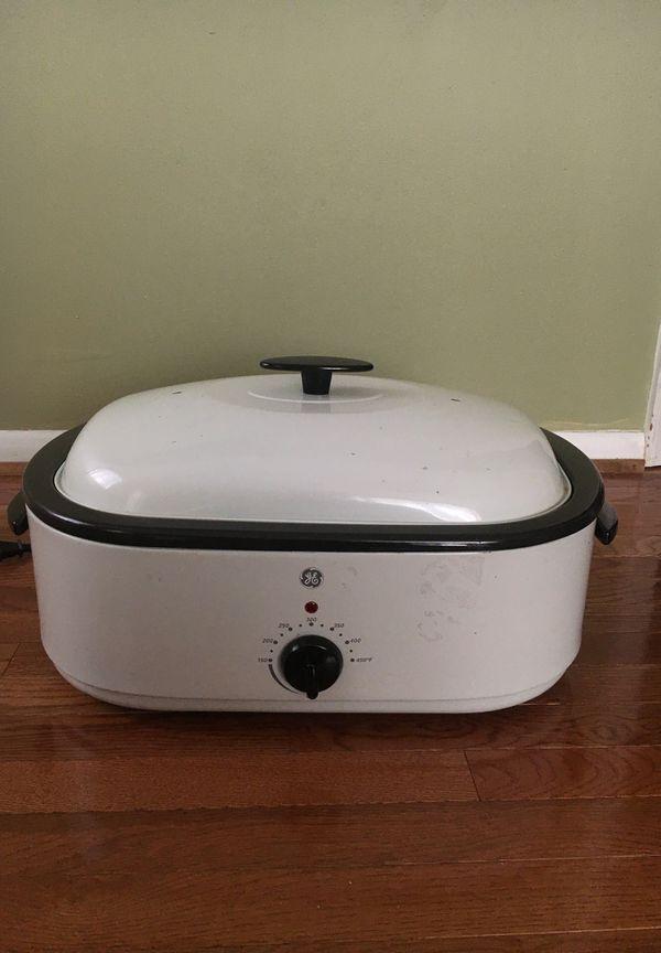 GE white Crock Pot
