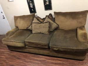 Good Condition Couch for 10$ for Sale in Houston, TX