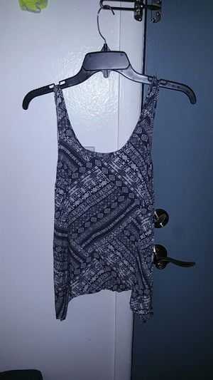 Womens clothes please read for Sale in Denver, CO