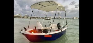 Boat with motor for sale all great condition / family or fishing vesel for Sale in North Miami, FL
