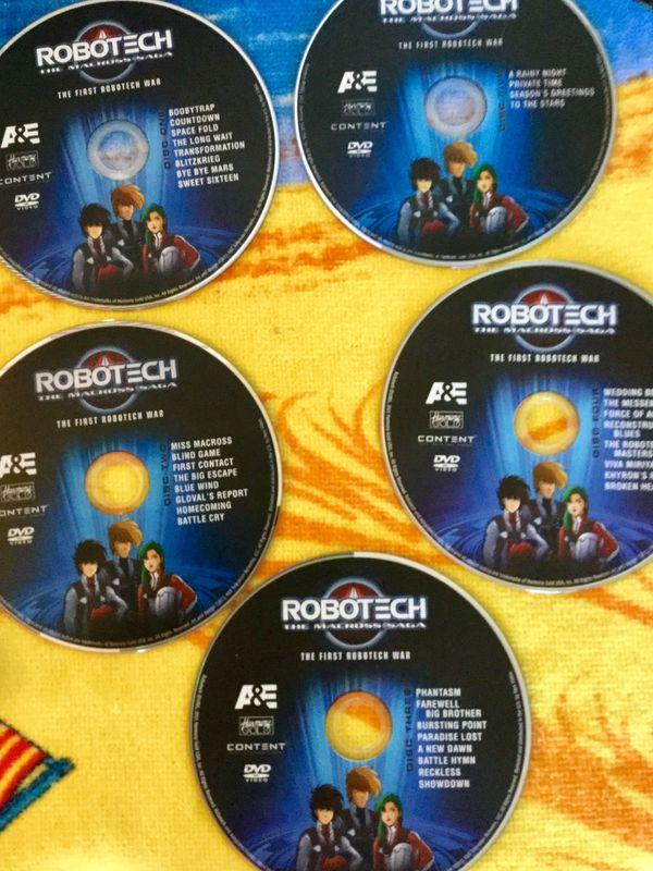 5 DVD disc Robotech / 1 st Robotech War /The Macross Saga - Science fiction Anime Epic