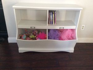 White storage bookshelf / bookcase for Sale in San Diego, CA