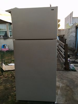 Refrigerator for Sale in Oakland, CA