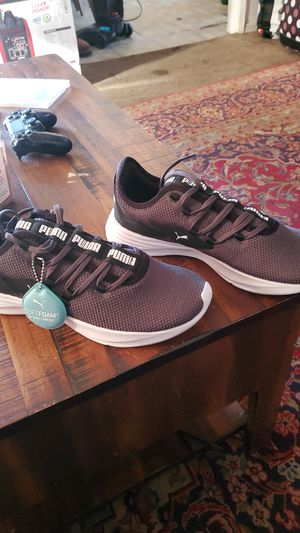 Tenis puma size 8 por 40 dls for Sale in Pomona, CA