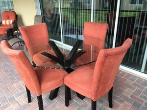 Glass Kitchen Table and 4 Chairs for Sale for Sale in Cypress Gardens, FL
