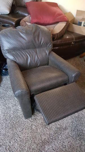 Mini-Childs Recliner. for Sale in Gambrills, MD