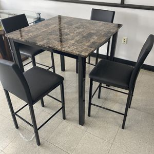 4 PIECE PUB STYLE DINING TABLE SET for Sale in Marietta, GA