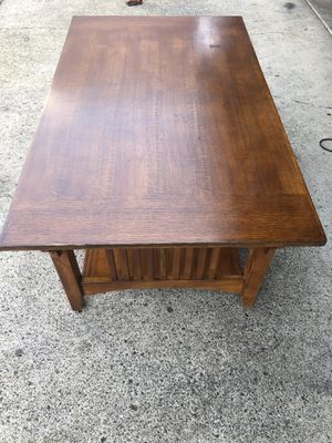 "Coffee table 30"" x 50"" 19 ""H for Sale in Vancouver, WA"