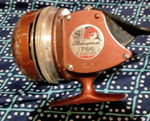 Shakespeare 1766 Push button Fishing Reel for Sale in Fresno, CA