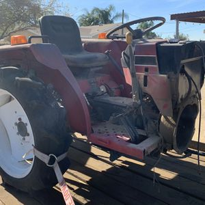Tractor International 254 4x4 for Sale in Jurupa Valley, CA