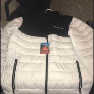Columbia Coat For Men Size Small for Sale in Waterbury, CT