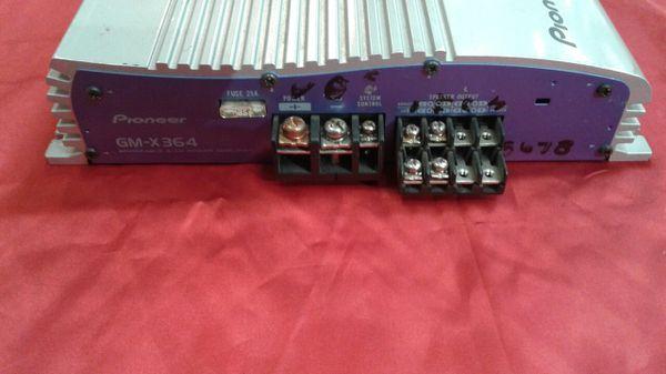 Pioneer 300 Watt car amp