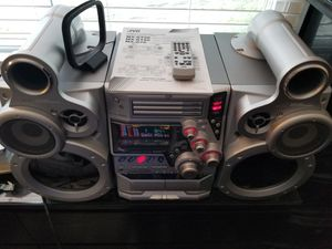 JVC GIGATUBE STEREO SYSTEM MX-GT80 for Sale in San Jose, CA