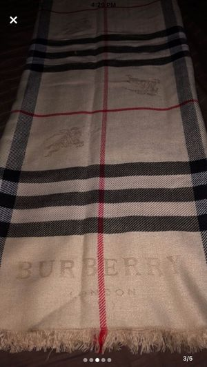 Burberry scarf for Sale in Culver City, CA