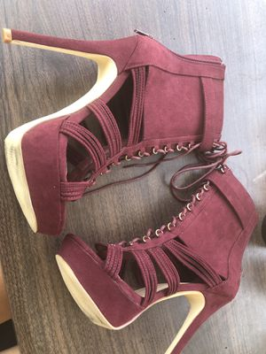 "Shoe Dazzle 6"" Maroon heels for Sale in Columbus, OH"