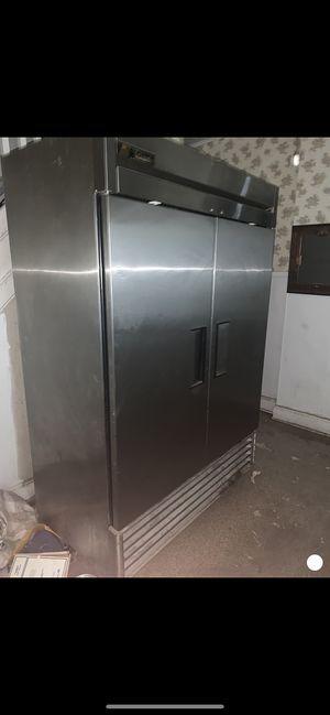 TRUE restaurant refrigerator for Sale in Trenton, NJ