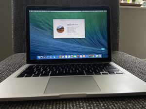 Macbook pro retina 13-inch 2.4 GHz intel Core i5 / 8GB - 128GB 1600 MHz DDR3 for Sale in Pittsburgh, PA