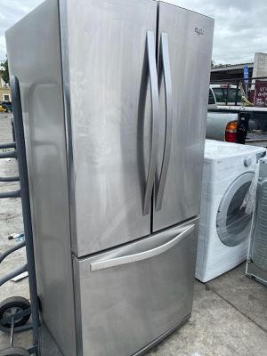 WHIRPOOL 30 IN WIDE FRENCH DOOR STAINLESS STEEL for Sale in Oceanside, CA
