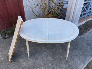 Free kitchen dining room table for Sale in Pacifica, CA