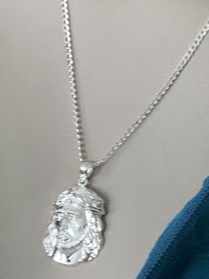 """925 Sterling Silver Italy Classic Cuban Chain Necklace 20"""" With 925 Sterling Silver Jesus Religious Design Pendant for Sale in Mountain View, CA"""