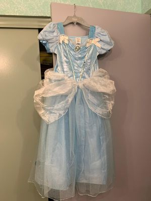 Cinderella dress size 7/8 for Sale in Perris, CA