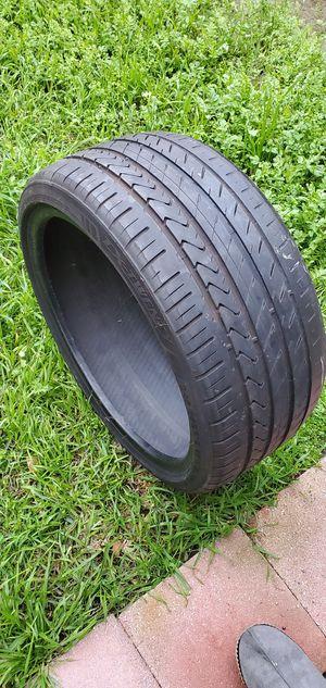 One lexani tire for Sale in Pomona, CA