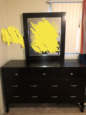 7-drawer Dresser with Mirror for Sale in Arvada, CO
