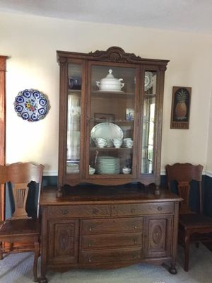 Antique china cabinet (2 piece) for Sale in Fircrest, WA