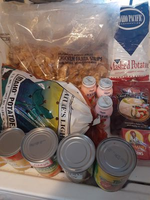 Free food for a family in need pick up 77012 by 7pm today. for Sale in Houston, TX