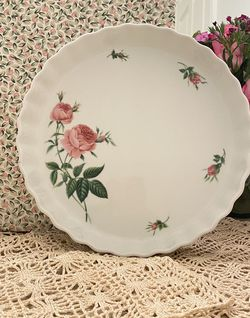 1980s Vintage Christineholm Quiche or Tart Dish Porcelain with Rose Pattern for Sale in San Angelo,  TX