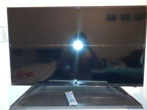 Sharp 40 ' inch tv, Full HD, Roku tv for Sale in Miami, FL