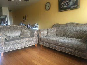 Vendo 2 sofá en buenas condiciones for Sale in Los Angeles, CA
