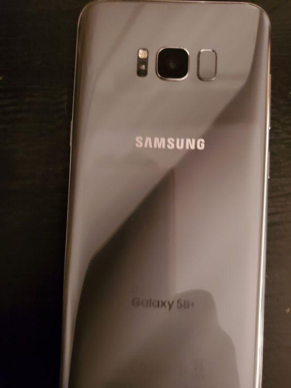 Samsung Galaxy s8 plus with samsung smart watch