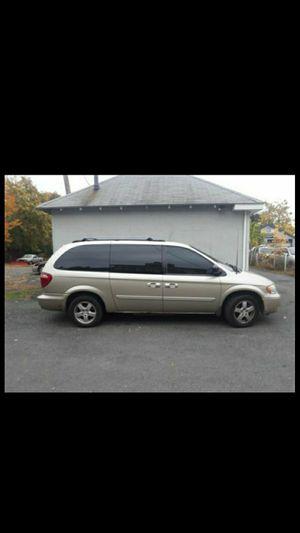 2005 Dodge Grand Caravan Sxt for Sale in Hartford, CT