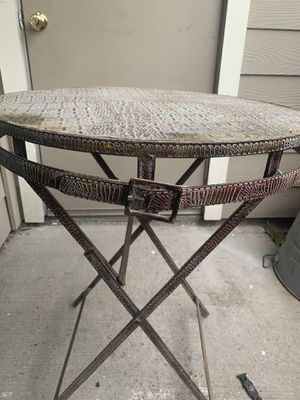 Patio furniture with the alligator Design. for Sale in Houston, TX