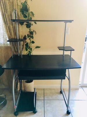 Computer desk for Sale in San Leandro, CA