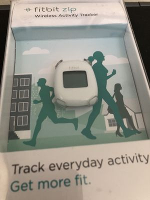 USED - fitbit zip - Wireless Activity Tracker - White for Sale in Carlsbad, CA