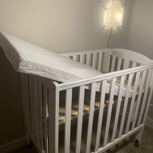 Baby Crib for Sale in Saugus, MA