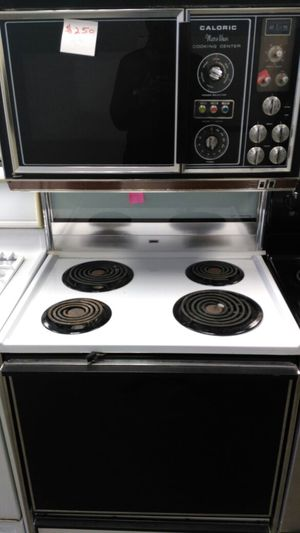 "Caloric stackable "" microwave and oven"" (white & black) for Sale in Cleveland, OH"
