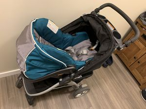 Chicco keyfit 30 car seat, bravo stroller and two car seat bases. Complete travel system! for Sale in Redmond, WA