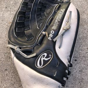 Rawlings pro softball glove nice ready to use condition equipment bat for Sale in Marina del Rey, CA