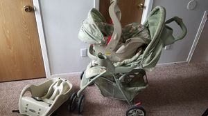 Graco car seat and stroller for Sale in Clinton Township, MI