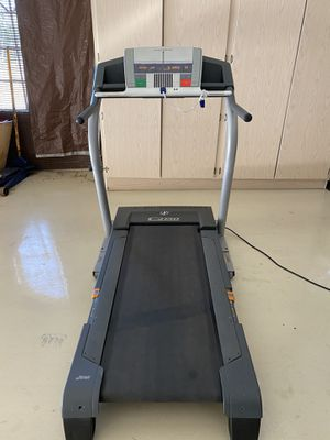 NordicTrack C2150 Exercise Treadmill for Sale in Scottsdale, AZ