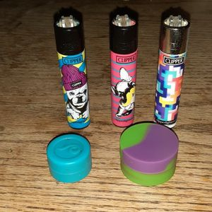 2 Dab Slicks and 3 Refillable Clippers for Sale in Parkland, WA