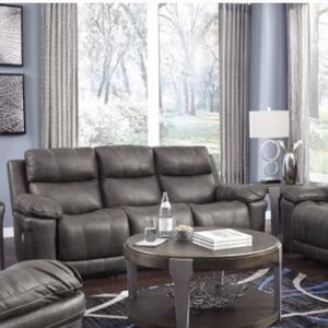 Leather sofa set for Sale in Federal Way, WA