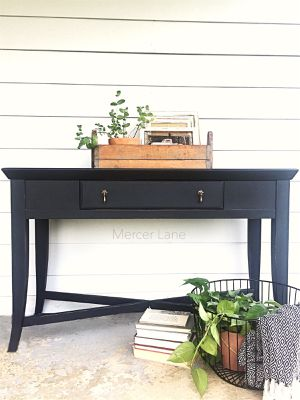 Broyhill Console Table for Sale in Thompson's Station, TN