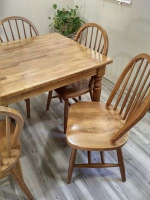 Hard Wood table with 6 chairs for Sale in Tacoma, WA