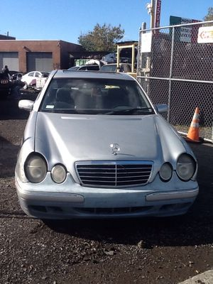 2000 Mercedes E320 PARTS ONLY for Sale in Philadelphia, PA