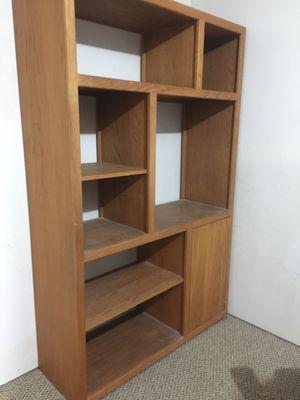 Oak bookcase for Sale in Bonney Lake, WA